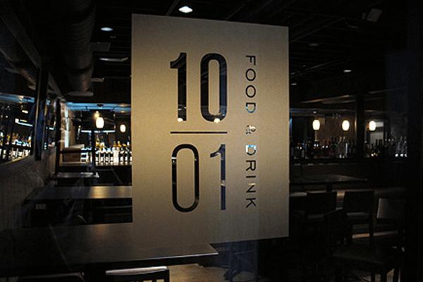 10 / 01 Restaurant